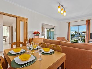 Santa Eulalia Apartment Sleeps 4 with Pool Air Con and WiFi - 5718961