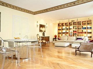 32. ORNATE 3 BEDROOM APARTMENT STEPS FROM MUSEE D'ORSAY, ST GERMAIN