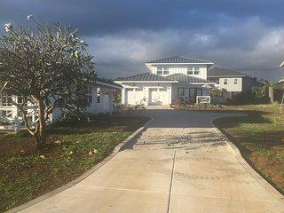 3BR/3BTH Poipu Farmhouse Style