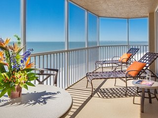 2 COMFY GULF VIEW 1BRs! RIGHT ON THE BEACH, POOL!