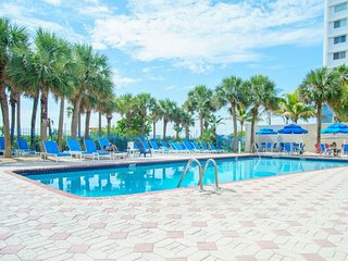 1 BR Suite for 5 guests in Oceanfront Bldg, pool