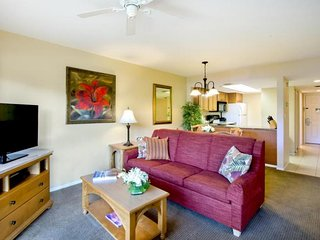 ULTIMATE BEACH GETAWAY! COMFY 1BR FAMILY SUITE, BALCONY, TENNIS, POOL, PARKING