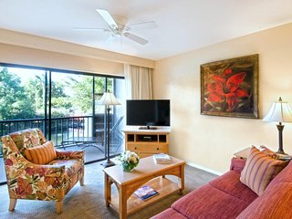 BEACH VACATION STARTS HERE! LOVELY 2BR FAMILY SUITE, POOL, TENNIS, BALCONY!