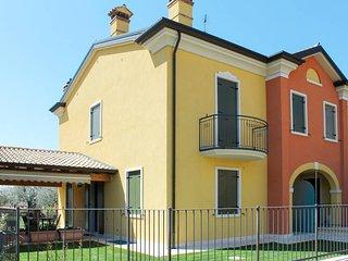 2 bedroom Apartment in Tezze, Veneto, Italy - 5771706