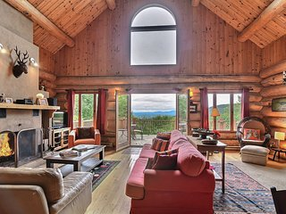 Spectacular Log Cabin with Breathtaking View Perfect Family and Friends GetAway!