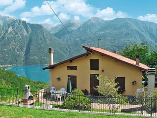 2 bedroom Apartment in Riva, Lombardy, Italy - 5436934