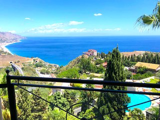 SEA VIEW PANORAMIC SAN GIORGIO APARTMENT Pool Terrace  Parking Taormina