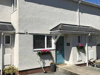 White Pebble Cottage, Moelfre