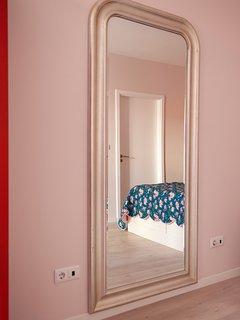 Principal suite bedroom with a  bathroom and a large veranda