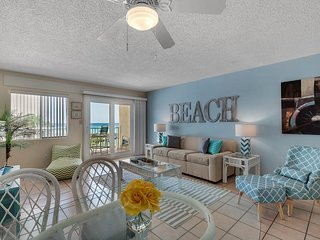 Holiday Surf & Racquet Club 312