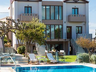 5 bedroom Villa with Pool, Air Con and WiFi - 5772072