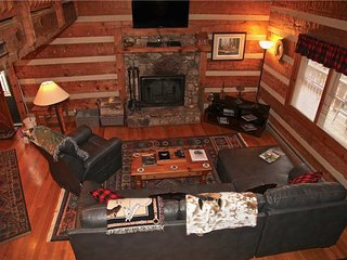 Mountain Memories-Private,Fireplace,HotTub,Trails