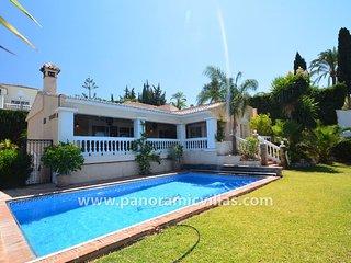 4 bedroom Villa in Fuengirola, Andalusia, Spain - 5771844