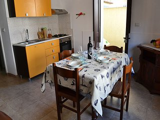 Appartamento in centro 4/5 posti e 50 mt dal mare a Torre dell'Orso- PT37