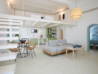 The Bakaliko (Brand new luxury home)