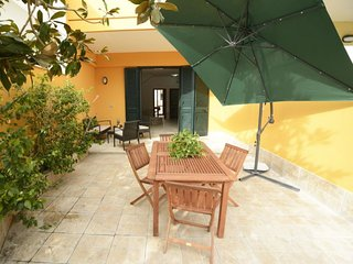 3 bedroom Villa with Air Con, WiFi and Walk to Beach & Shops - 5771816