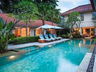 Villa Shima - Luxury 5 Bedroom with 20m Pool