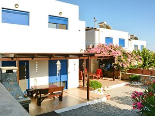 4 bedroom Villa with Air Con, WiFi and Walk to Beach & Shops - 5771506