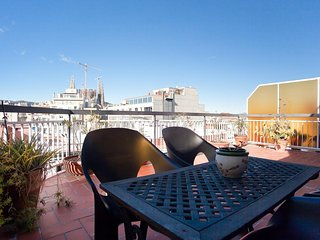 ATIC SAGRADA FAMILIA, great terrace, views