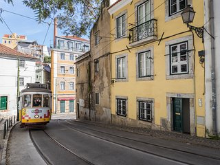 SOL R/C  In the heart of old Lisbon