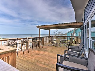 NEW! Bayfront Rockport Home w/Private Fishing Pier