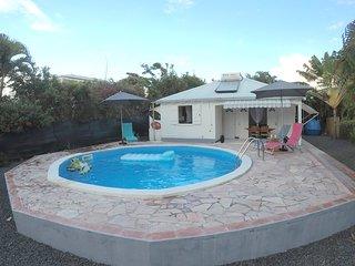 Maison individuelle creole avec piscine au calme