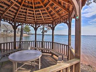 NEW-Lake Keowee Condo w/Balcony & Resort Amenities