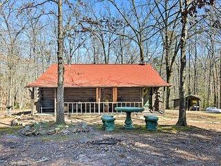 Murfreesboro Cabin w/Fire Pit-by Lake Greeson