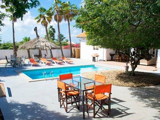 Summer Villa,sleeps 8 Pool & Privacy guaranteed