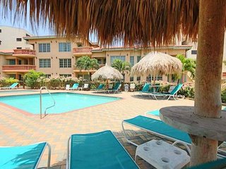 Walking distance to it all, 3Bedroom in Palm Beach