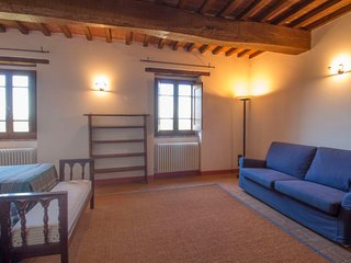 Castiglione della Valle Apartment Sleeps 4 with Pool and WiFi - 5405334