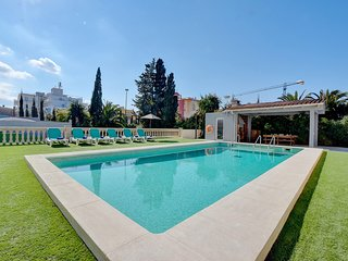 Amazing Villa Maravilas 2 with private pool, terrace & TENNIS COURT