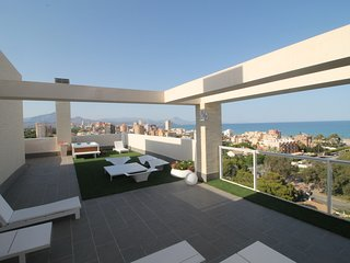 Alicante new penthouse beach views and hot jacuzzi in the terrace