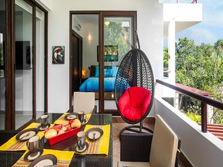 Deluxe Tropical View - Feel the Breeze of Pool!