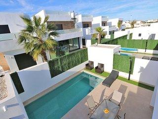 Vakantie villa met privé zwembad dichtbij strand / VDE-039