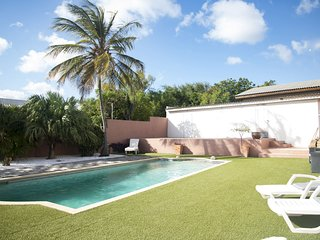 Big 180m2 villa close to BlueBay with private pool