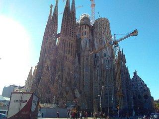 Sagrada Familia Flats 8 guests.