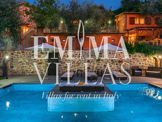Casale Montegiovi 6+4 sleeps, Emma Villas Exclusive
