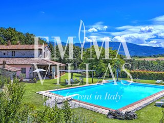 Casale Cicognola 12 sleeps, Emma Villas Exclusive