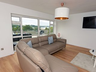 Am Byth Saundersfoot, six bed (sleeps 12) house, maybe best view in Saundersfoot
