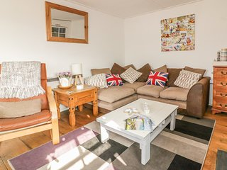 CLIFF HOUSE, pet friendly, Grade II listed, Mevagissey, Ref 963412