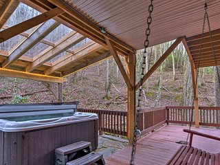 NEW! Luxury Asheville Home w/Game Room & Deck!