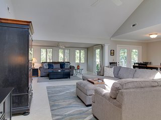 Bright home w/ private pool, entertainment & easy beach access - dogs ok!
