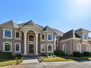 Beautiful Atlanta Home 25 min from Airport/Downtown