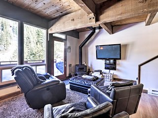 NEW! Cozy Alpine Meadows/Squaw Valley Condo w/View