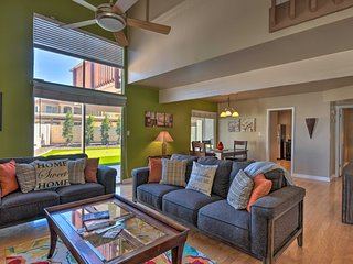 NEW! Tempe Townhome - Putting Green & Pool Access!
