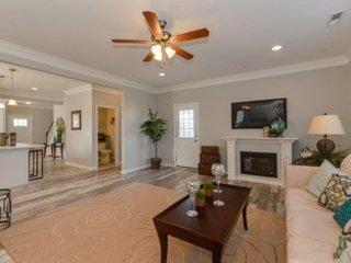Luxurious 4 Bedroom 2200 sqft East Ocean View Villa. '