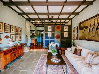 Casuarina Estate - Themed Suite Suzi Wong