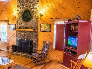 Evergreen Cabin at Blairsville