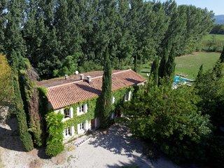 L'Isle-sur-la-Sorgue Villa Sleeps 11 with Pool Air Con and WiFi - 5771676